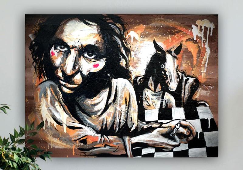 portrait homme joue aux echecs cheval damier street art