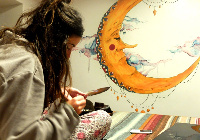 creation artiste 82 peinture murale chambre deco lune illustre